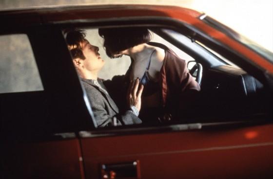 Секс в машине, сексуальные сцены,
